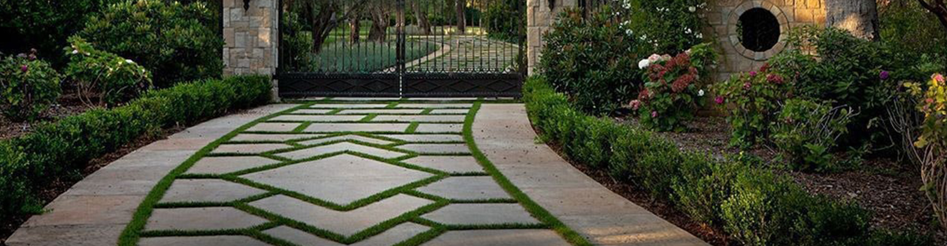 Luxurious Driveway Designs